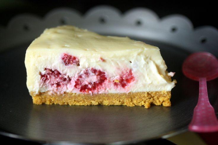 Cheesecake sans cuisson au chocolat blanc et aux framboises