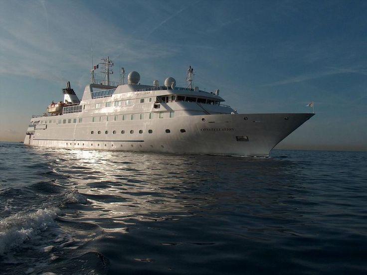 Круизные суда - обои для рабочего стола: http://wallpapic.ru/transport/cruise-ships/wallpaper-27140