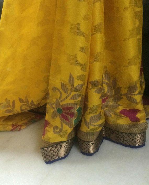 Elegante Saree indische traditionelle ethnische von NeelCreations