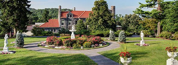 Hudson Valley Wedding Facility at Tarrytown House Estate - they have the fancy duke package