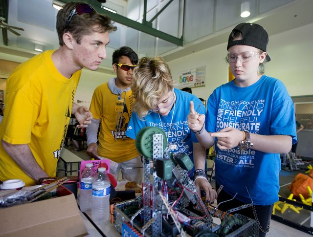 About 200 students, coaches and volunteers rolled into Keaau High School on Thursday for an intense VEX Robotics Competition called Startstruck — the first time the state championship has taken place on the Big Island.
