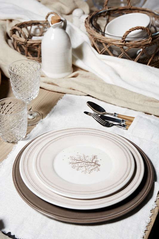 Seaside table setting from Cotè Table sand colors