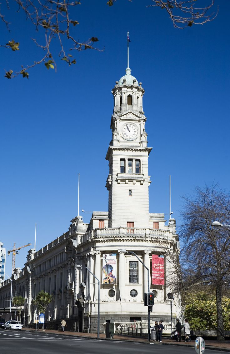 Auckland Town hall featuring multiple columns