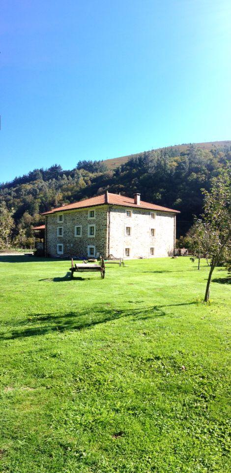Apartamentos Rurales Ca Lulón. Casa Rural de Yerbo. TRES LLAVES