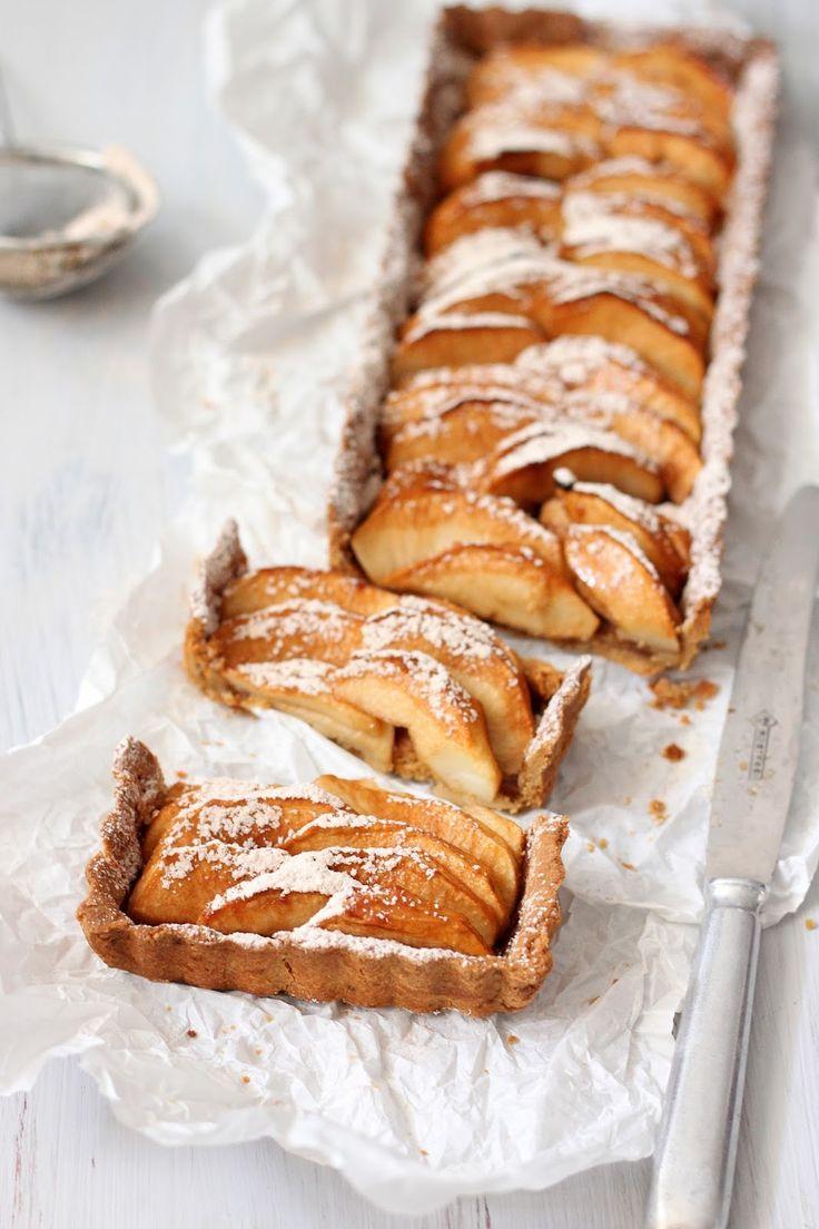 Happy Kitchen.: Bezglutenowa tarta jabłkowa (na spodzie z mąki gryczanej).
