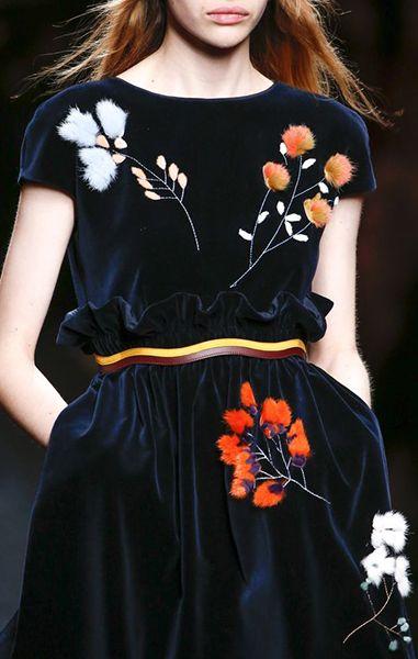 Flower applications - Fendi fall 2016