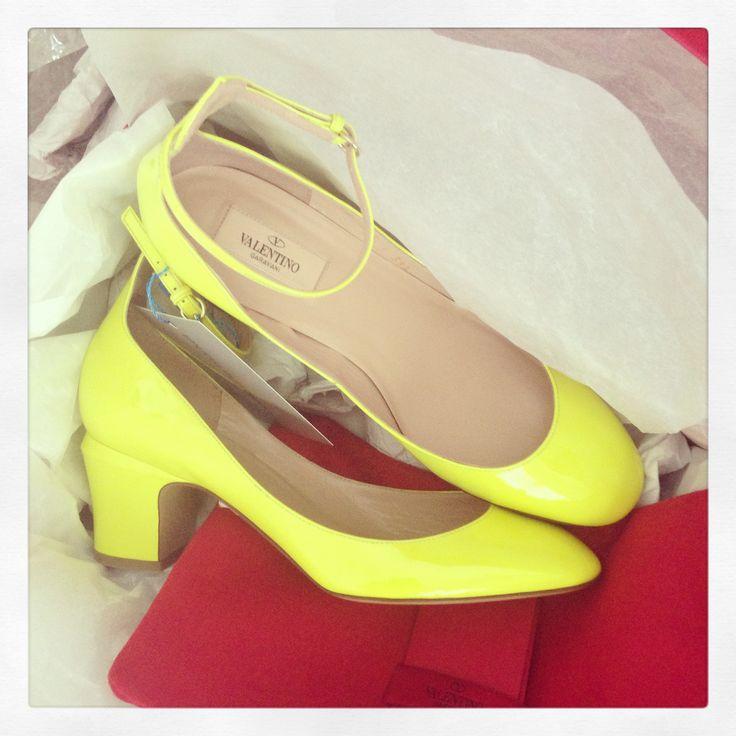 Valentino Tan-go Pumps, Neon Yellow Pumps, Valentino Garavani shoes