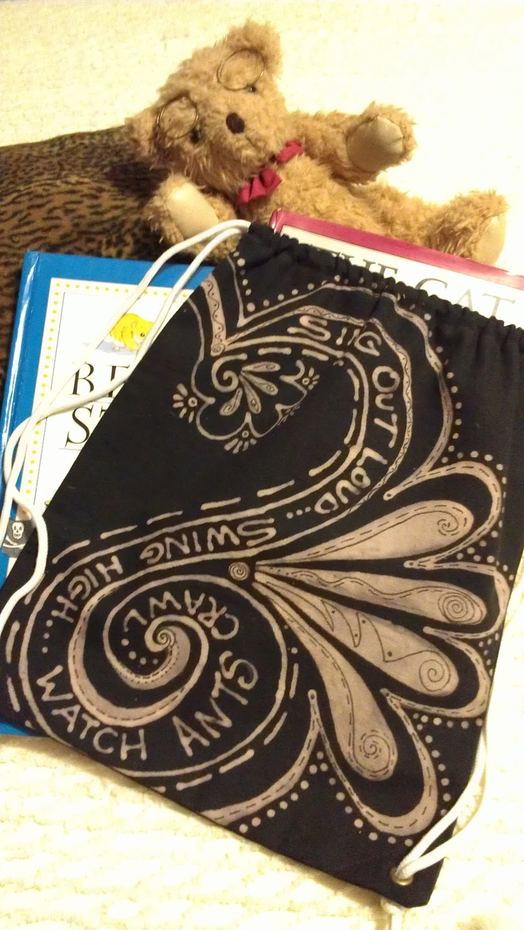 Doodling In My Mind: Design with Clorox bleach pen and Sharpie on fabric to make a back pack/gym bag.