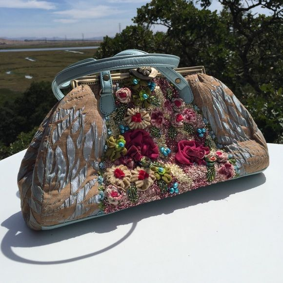 Pat Vini Handmade Floral Turquoise Purse So pretty!  Some brown at top interior edges from frame. Pat Vini Bags