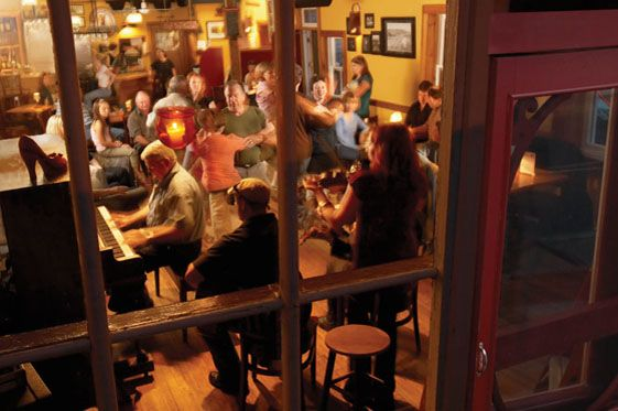 Ceilidh at The Red Shoe Pub, Mabou, NS