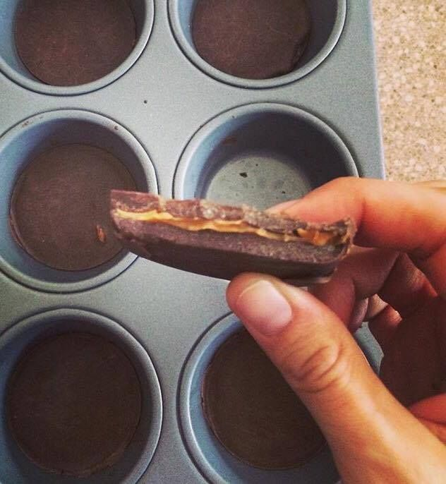 Healthy, 3 Ingredient, 21 Day Fix Approved, Chocolate Peanut Butter Cups. Simple, easy recipe that satisfies your sweet tooth