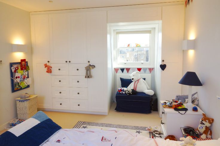 Childrens Fitted Bedroom Furniture: White Lacquered Fitted Shaker Panel Children's Wardrobe