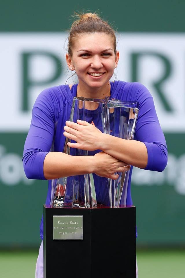 Simona Halep won the most important trophy of her career! Simona Halep a câștigat cel mai important trofeu din carieră!