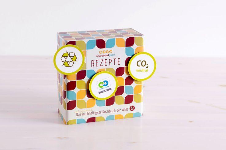 Das wahrscheinlich nachhaltigste Kochbuch der Welt [in a box]   Nachhaltig: CO2 neutral produziert, gedruckt nach höchstem Ökodruckstandard weltweit Mit Social Impact: 1,50 Euro pro Kochbuch gehen an die BioBoden Genossenschaft. Dadurch vergrößert sich die Bio-Anbaufläche in Deutschland um 1m²