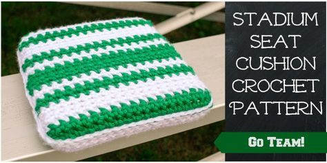 Show your team spirit while keeping comfortable and cozy with this free stadium seat cushion crochet pattern!  #crochet #fiber