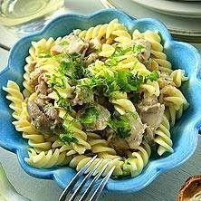 Pollo – pasta med kyckling, vitt vin, färskost