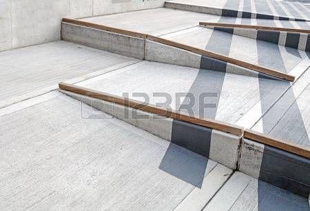 rampa: rampa para sillas de ruedas