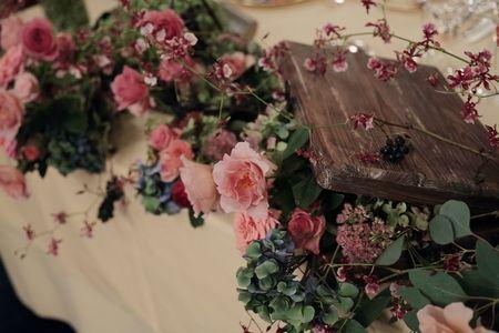 秋の装花 シェ松尾青山サロン様へ 紅茶色のバラたちで