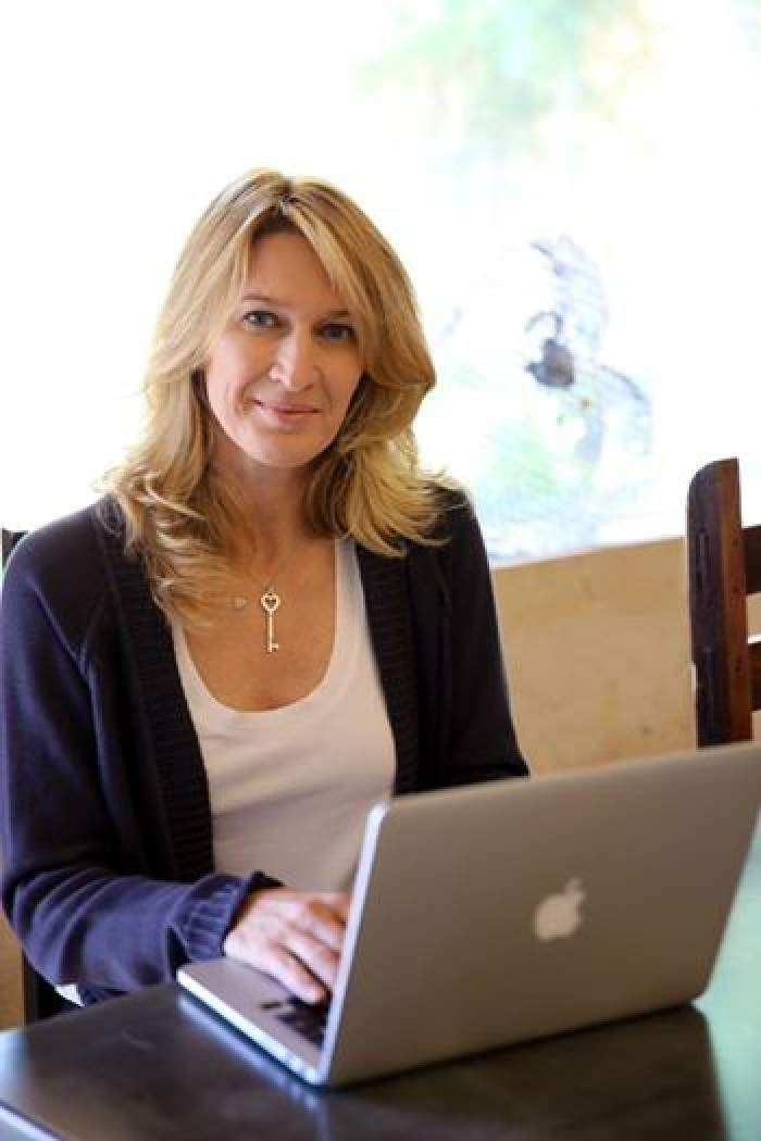 Steffi Graf Talks About Key To Andre S Heart And Desire To Visit India In Facebook Chat With Fans Steffi Graf Tennis Players Female Tennis Players