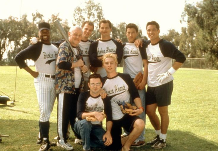 Billy Porter, John Mahoney, Ben Weber, Timothy Olyphant, Andrew Keegan, Dean Cain, (bottom l-r): Matt McGrath, Zach Braff, 2000 | Essential Gay Themed Films To Watch, The Broken Hearts Club: A Romantic Comedy http://gay-themed-films.com/the-broken-hearts-club-a-romantic-comedy/