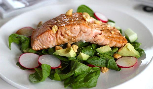 Oosterse salade met zalmfilet