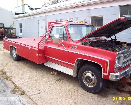 1977 GMC ,rust free, custom 12' bed Toroflow GMC 478ci V6 diesel, 400 auto , w/US overdrive unit ,Near new tires,chrome buds $2850
