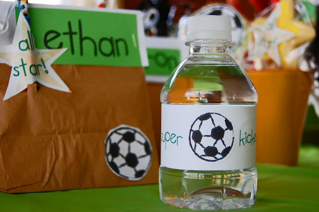 Soccer treat bags. Great for end of the season parties!