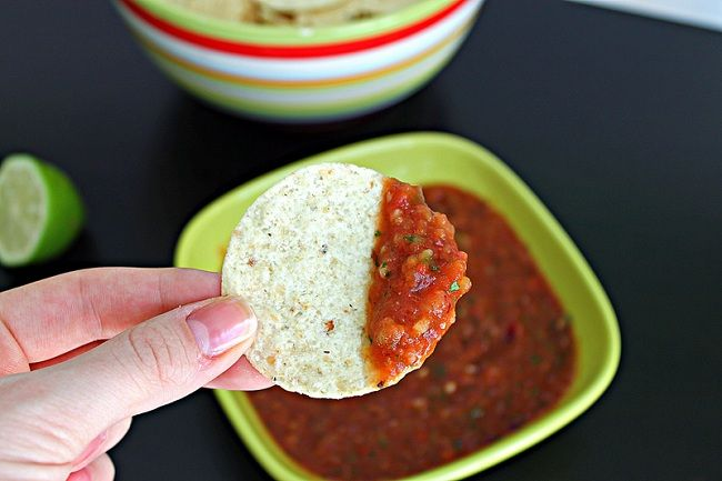 homemade salsaAppetizers Snacks, Roasted Tomatoes, Salsa Recipe, Favorite Salsa, Tomatoes Limes, Fire Roasted, Favorite Recipe, Limes Salsa, Appetizers Dips
