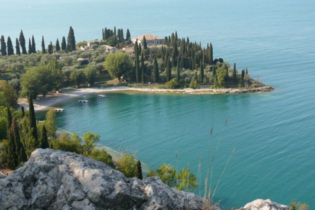 Baia delle Sirene - Punta San Vigilio - Strandbad am Gardasee