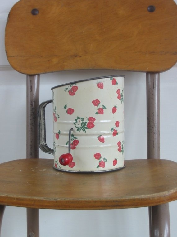 288 best images about vintage flour sifters on pinterest - Strawberry kitchen decorations ...