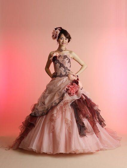 ウエディングドレス、高品質な結婚式ドレスならW by Watabe Wedding / サーモンピンク・プリンセスライン・カラードレス・剛力彩芽