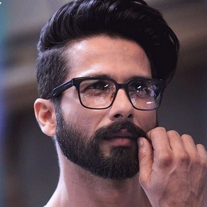 Shahid Kapoor With Images Indian Beard Style Beard In 2021 Indian Beard Style Beard Styles Cool Hairstyles For Men