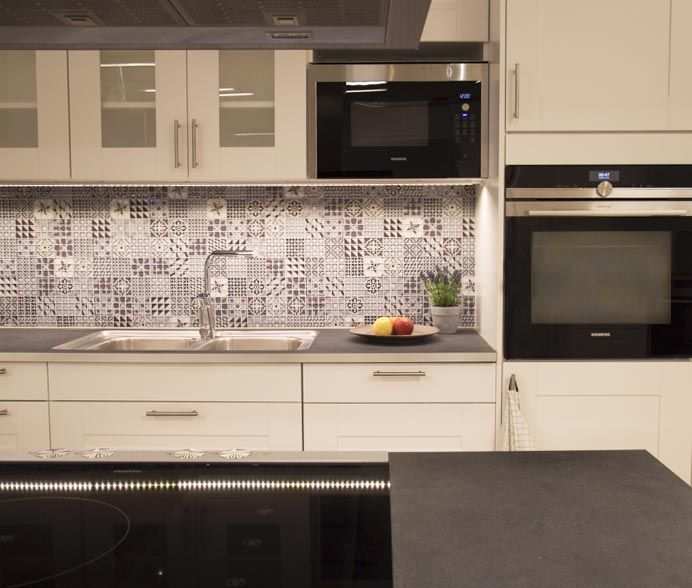 Mönstrat kökskakel från Stuvbutiken, kök, kökskakel, ideer för kök.