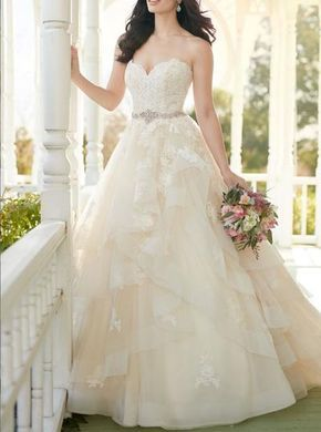 Ball Gown Sweetheart Off Shoulder Tiered Tulle Lace Wedding Dress