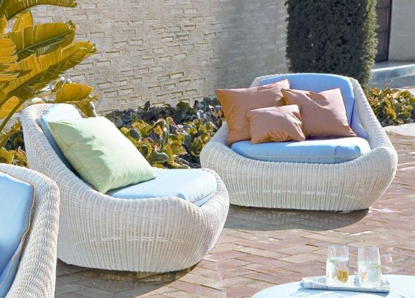 gartensessel design weiß farbige auflagen dekokissen Garten - rustikale gartenmobel aus ungarn