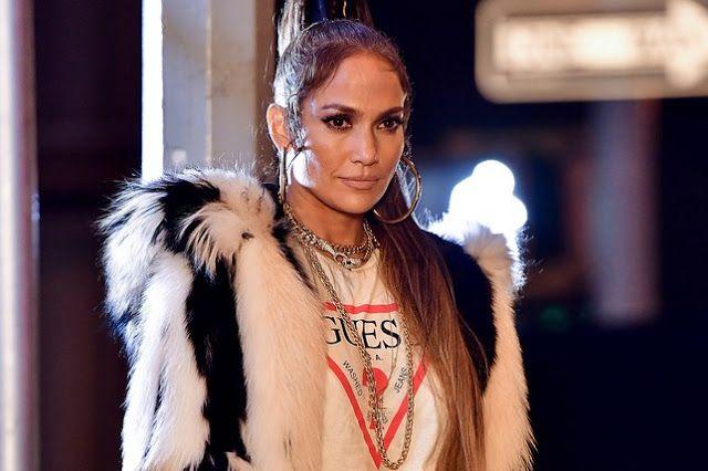 Jennifer Lopez é o novo rosto da GUESS