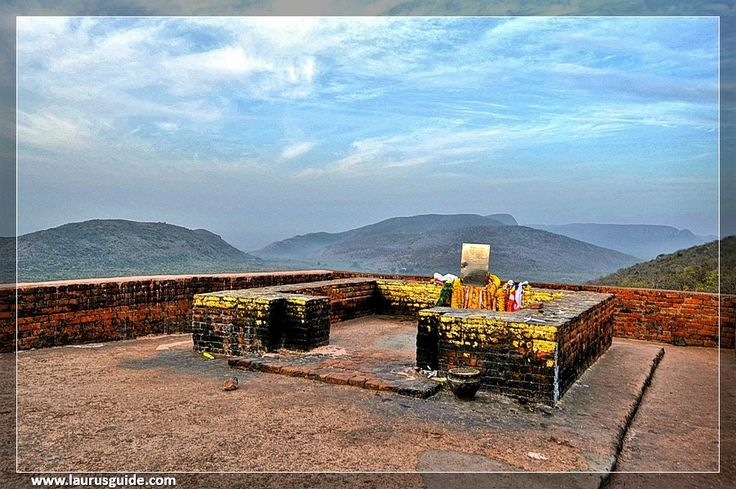 Gridhakuta is a hill in Rajgir, Bihar where Lord Buddha has carried out numerous dialogues with his disciples after attaining enlightenment. It is the place where Lord Buddha began his second command head and preached many inspiring sermons and teachings to his disciples. Gridhakuta hill is also known as Vulture Peak. He was Gridhakuta hill that Lord Buddha gave his two important sutras the Lotus Sutra and the Prajnaparamita.