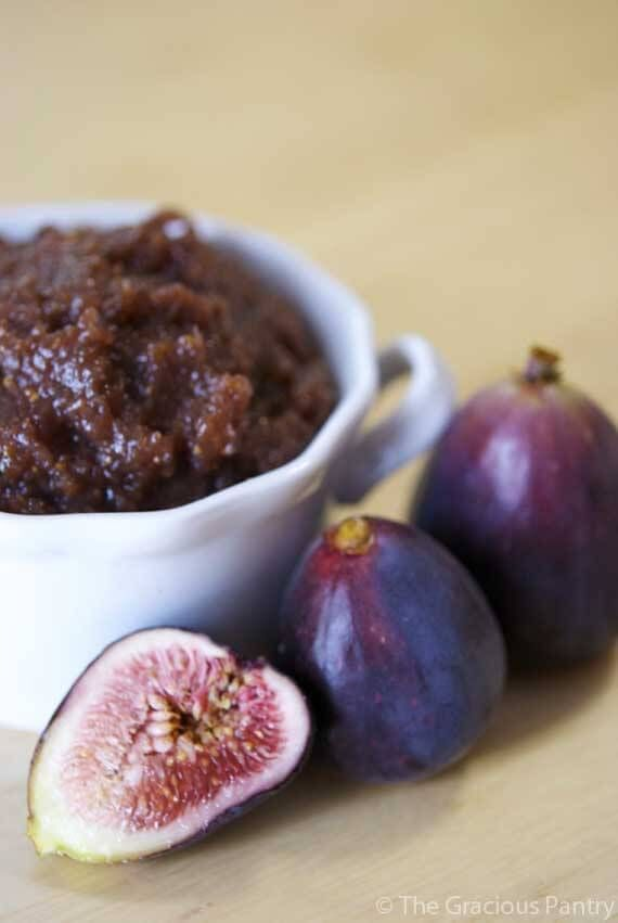 Clean Eating Fig Butter. A delicious spread for your morning slice of toast! Brought to you by TheGraciousPantry. Your #1 clean eating recipe resource.