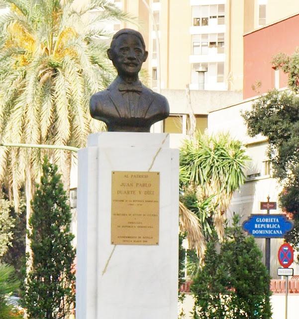 Monumento a Juan Pablo Duarte, padre de la patria de la República Dominicana.