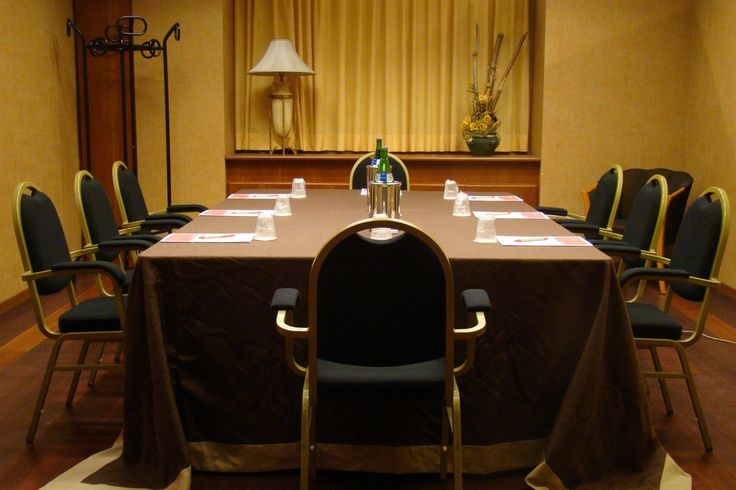 Meeting space in Ramada Naples City Center