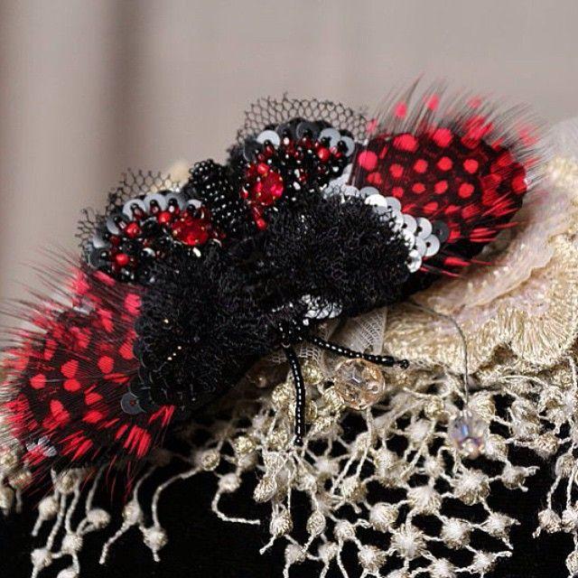 WEBSTA @ lyudmila__plotnikova - Брошь-бабочка.Рвчная авторская вышивка #брошь…