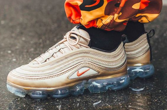 2b82a6b88e54 The Nike WMNS Air VaporMax 97 Blur Vintage Coral Is A Summer Must-Have