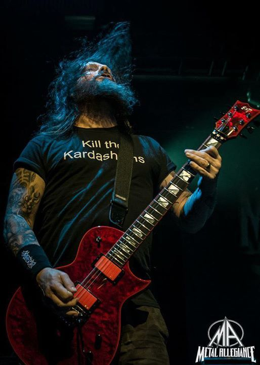 Gary Holt - A hero of thrash. Not a flashy guitarist, but if you want fast, think, thrashy riffs he's got you sorted.