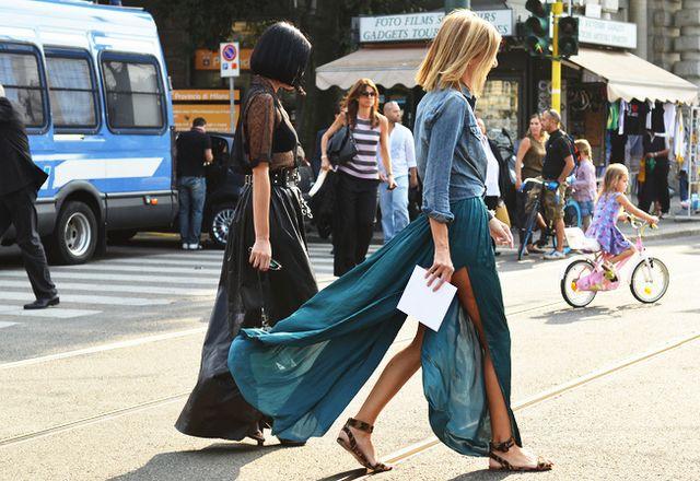 long silk and denimFashion, Denim Tops, Street Style, Outfit, Denim Shirts, Long Skirts, Flats Sandals, Maxis Skirts