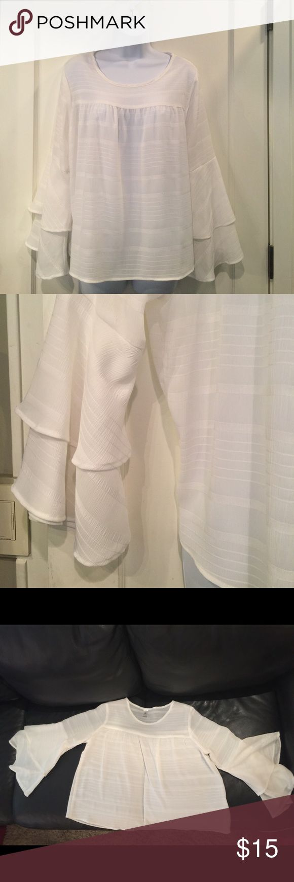 White flowing blouse White flowing blouse rokoko Tops Blouses