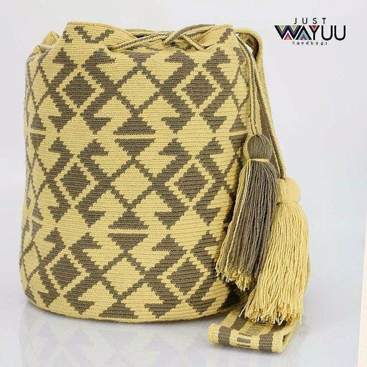 232 отметок «Нравится», 2 комментариев — Just Wayuu (@just.wayuu) в Instagram: «Single thread Mochila made with two colors. Tribal. Pattern. Handcrafted handbags made by…»