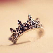 Stile coreano retrò cristallo trapano cava a forma di corona regina temperamento anelli per le donne del partito monili dell'anello di cerimonia nuziale di trasporto libero(China (Mainland))