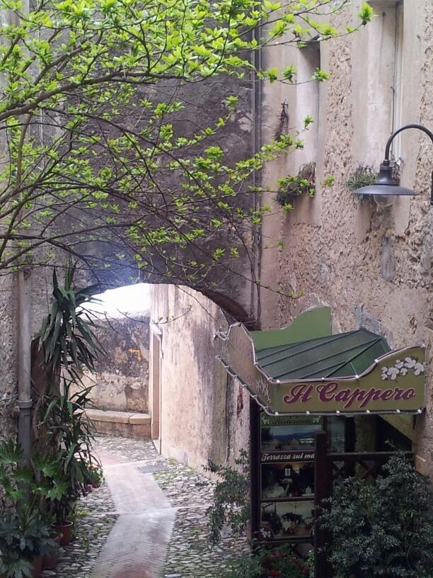 Scorci suggestivi di #Verezzi #Liguria