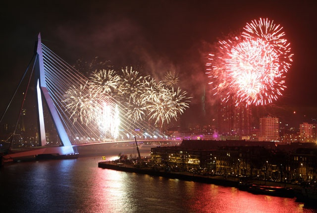Fireworks over #Rotterdam (by unknown)