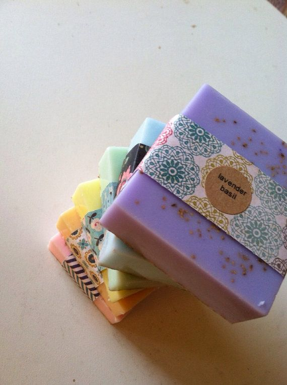 Celebrate your love of color with this adorable sampler soap set. This includes a sampler gift set of SIX FULL BARS of our soap in the colors of